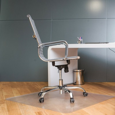 Коврик защитный для напольных покрытий BRABIX, поликарбонат, 100х120 см, шагрень, толщина 1,8 мм, 604851